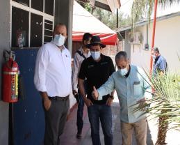 El Rector General, el Director General del SEMS y el Director de la EPR de Zacoalco en su visita a las instalaciones