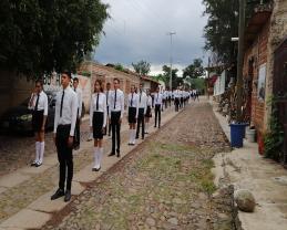 Alumnos de Citala durante la celebraciones patrias